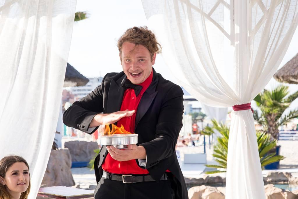 Magie pe plaja cu Magicianul Ciprian